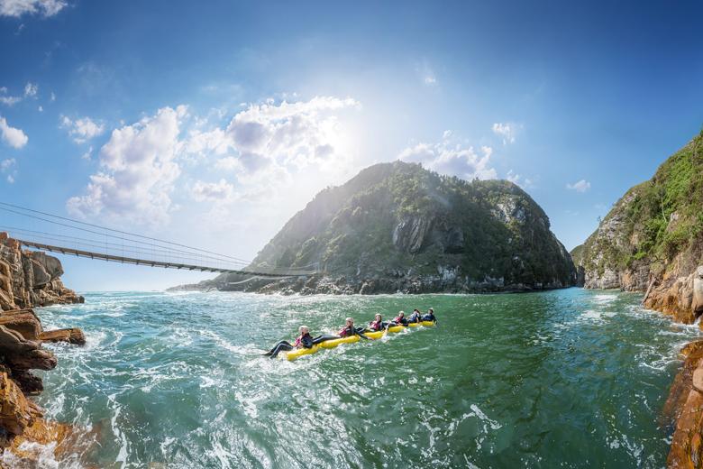 Arvorismo, remo, botes e muitas outas aventuras ganham que curte esportes radicais (foto: Divulgação)