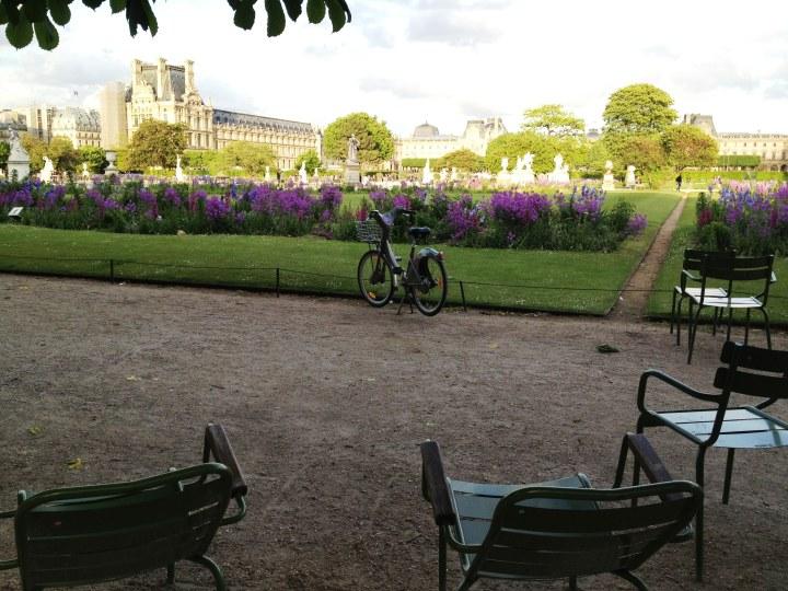 Jardim de Luxemburgo fica muito mais lindo de bike (Foto Pedro Paulo Coelho/ Lado B Viagem)