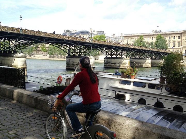 Pontes lindas de Paris podem ser testadas de bicicleta (foto: Pedro Paulo Coelho/ Lado Viagem)