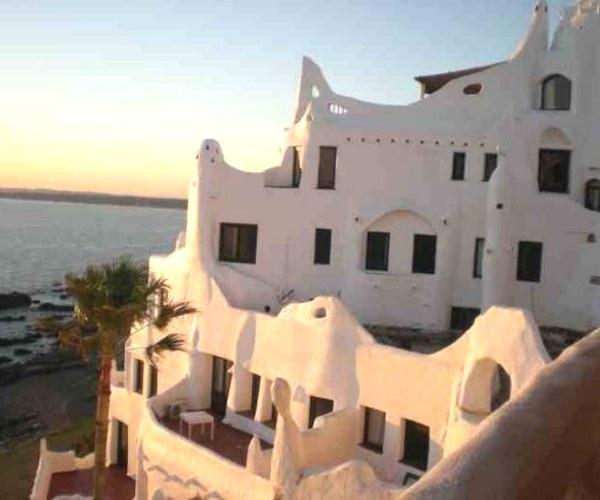 Casapueblo, em Punta, tem que ser visitada ao pôr do sol (Foto Andrea Miramontes/ Lado B Viagem)