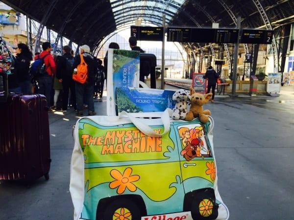 As #cadelasviajantes também embarcaram na aventura. Acima, a estação de trem de Bergen, de onde partimos - foto Instagram @ladobviagem