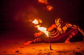Ritmos de La Noche: Ilha mexicana tem show místico na floresta e jantar delicioso