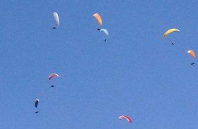 Descubra onde voar de parapente e saiba sobre o open de São Pedro
