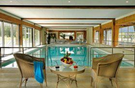 Viva o luxo francês neste hotel inspirado no hipismo em Deauville
