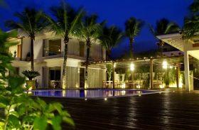 Maui tem luxo, gastronomia deliciosa e conforto na praia de Maresias (SP)