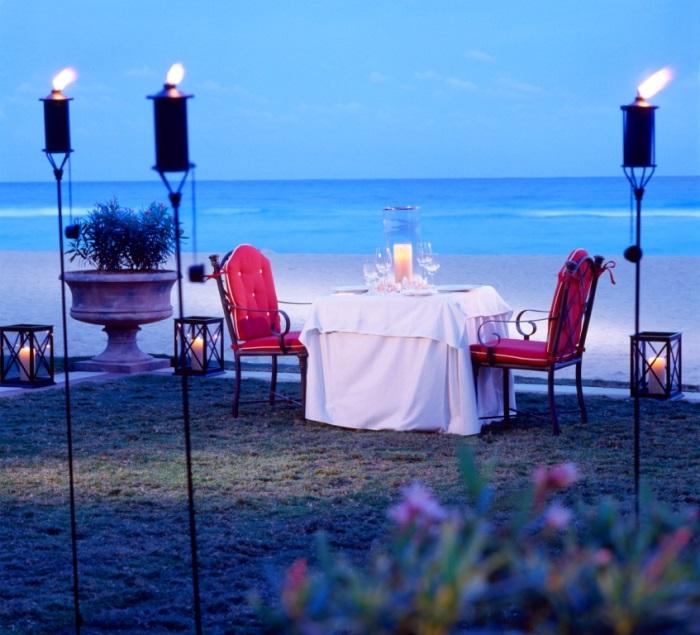 9 - Intimate Beachfront Dining