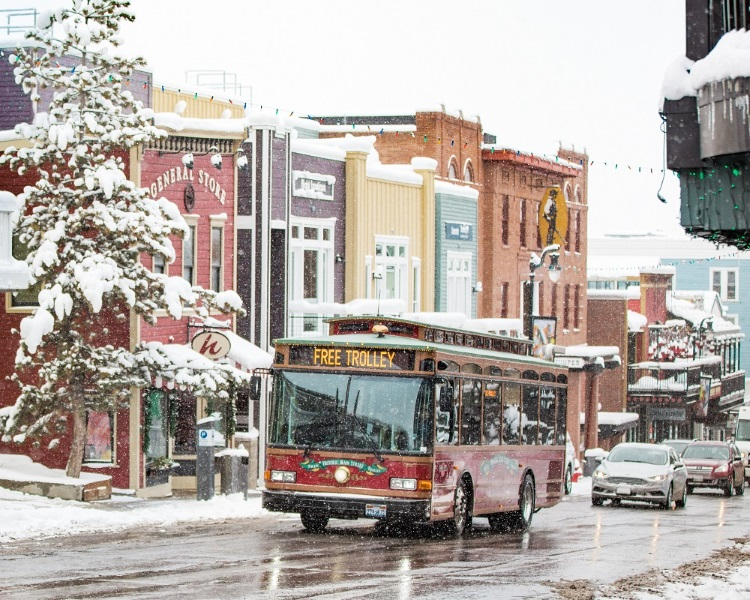 CB-Main-Street-Trolley-Winter17-02