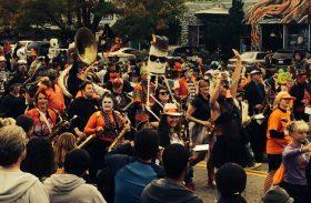 Halloween: bruxas são só pretexto para curtir festas cheias de música nos EUA
