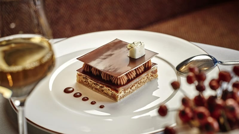 lapogee-courchevel-restaurant-le-comptoir-dessert-1