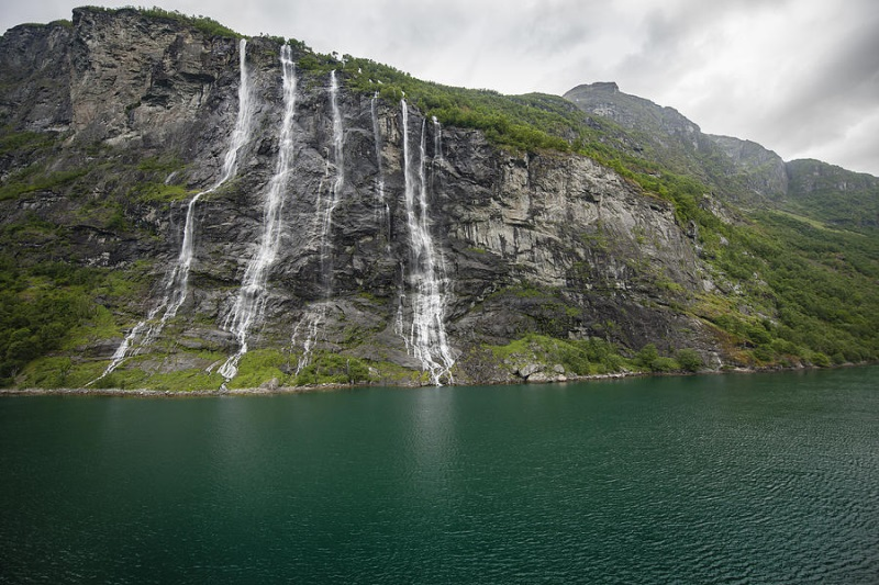 seven-sisters-falls-geiranger-norway-thierry-dosogne