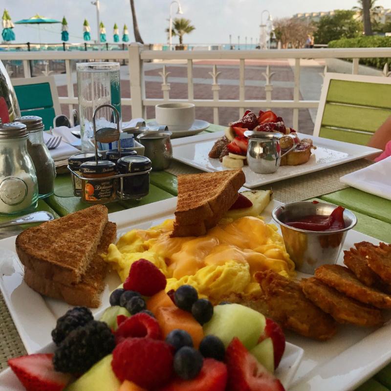 café da manhã hotel lado b viagem