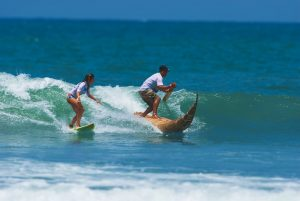 Surf em praia do Norte do Peru_PROMPERU