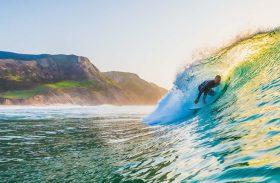 Surfe em Portugal vira destaque no Guia Waves 2018