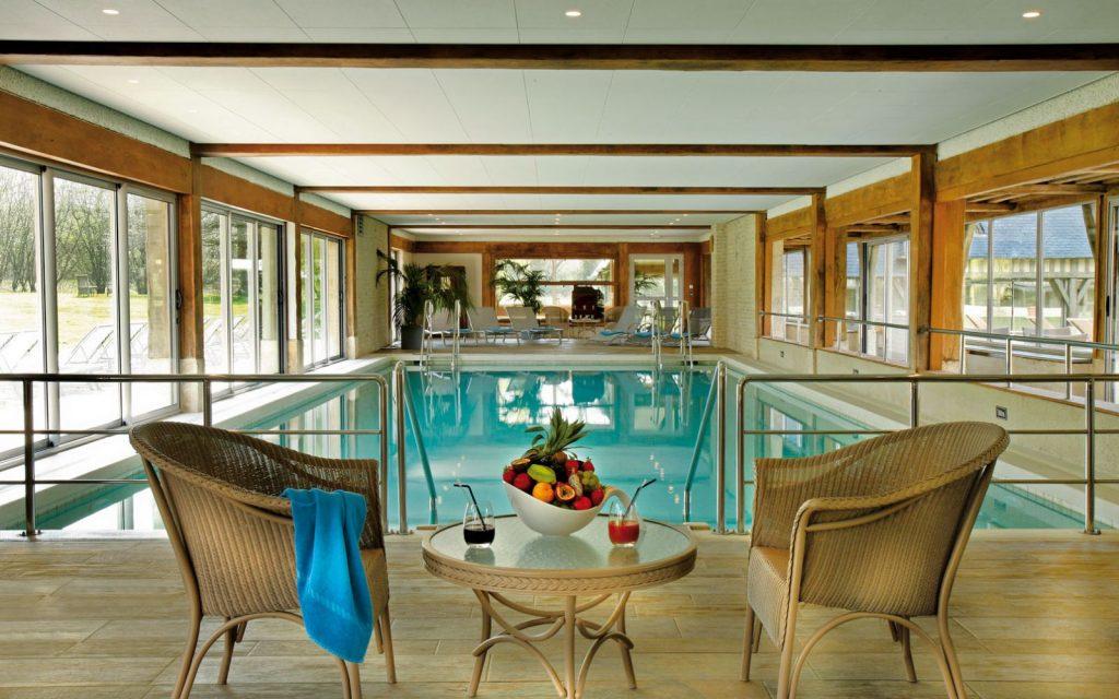 manoirsdetourgeville-piscine-2-1600x1000-1