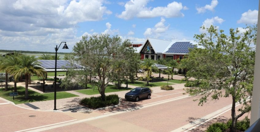 Todas as construções de Babcock Ranch têm placas solares e são certificadas por selo de sustentabilidade