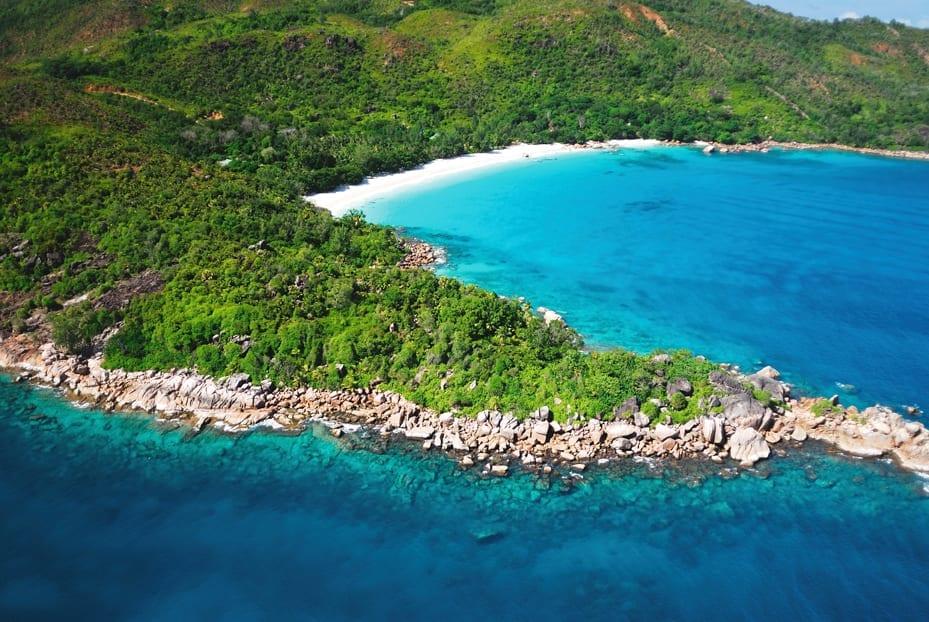 Anse Lazio, uma das praias mais fotografadas do mundo, fica em Praslin